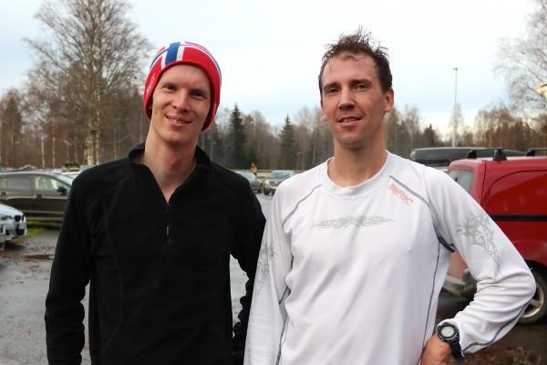 De to raskeste på Sørum: Øivind Bjerkseth (t.v.) holdt følge med Kristian Monsen i nesten 3 km, deretter skled Ull/Kisa løperen i fra til seier på 15.52. Bjerkseth fikk 16.19. Foto: Frode Monsen / Sportsmanden