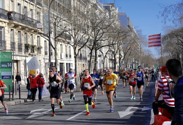 Paris Marathon er et flot skue. Foto: Eirin Bugge.