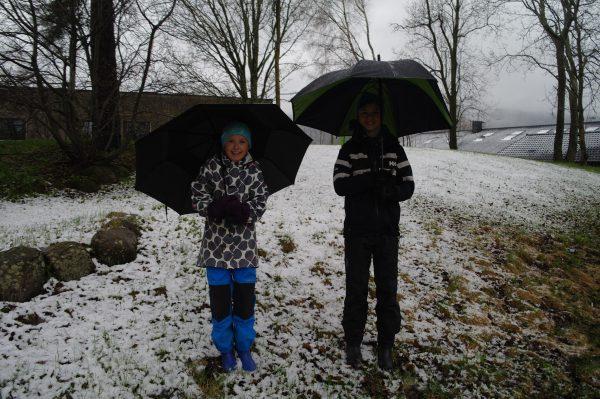 SkiLøperne Junior, her representert ved Guro og Eirik er klare for Råtassen.