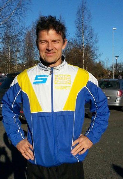 """Trond Olav Berg kaller Lørenskog Halvmaraton for et av """"høstens monumenter"""". Det blew andreplass i M55-59 år etter Lars Sverdrup-Thygeson og sølv i KM for Oslo. (Foto: Arvid Mathiesen / Sportsmanden)"""