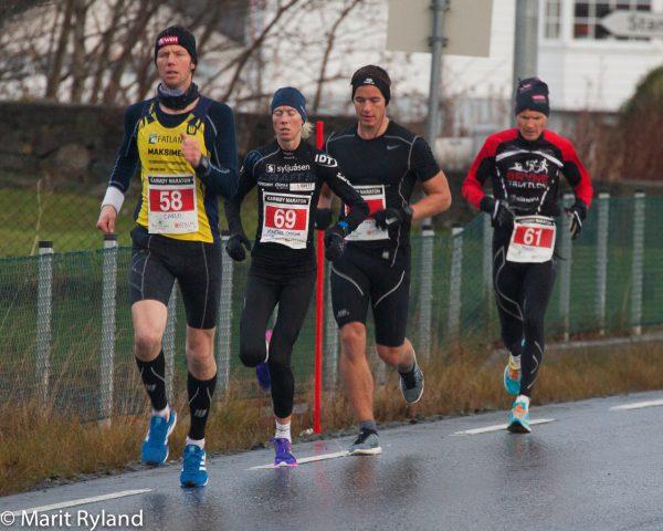 Carlo Brekken fra Yndheim tok den siste pallplassen, mens kvinnevinner Marthe Katrine Myhre løp jevnt som en klokke like bak. (Foto: Marit Ryland)