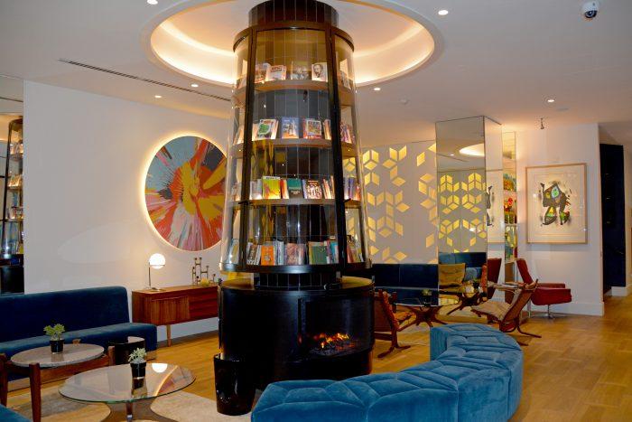h10 cubik lobby