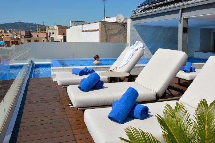 h10 cubik rooftop pool