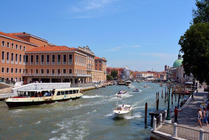 Canal grande vaporetto