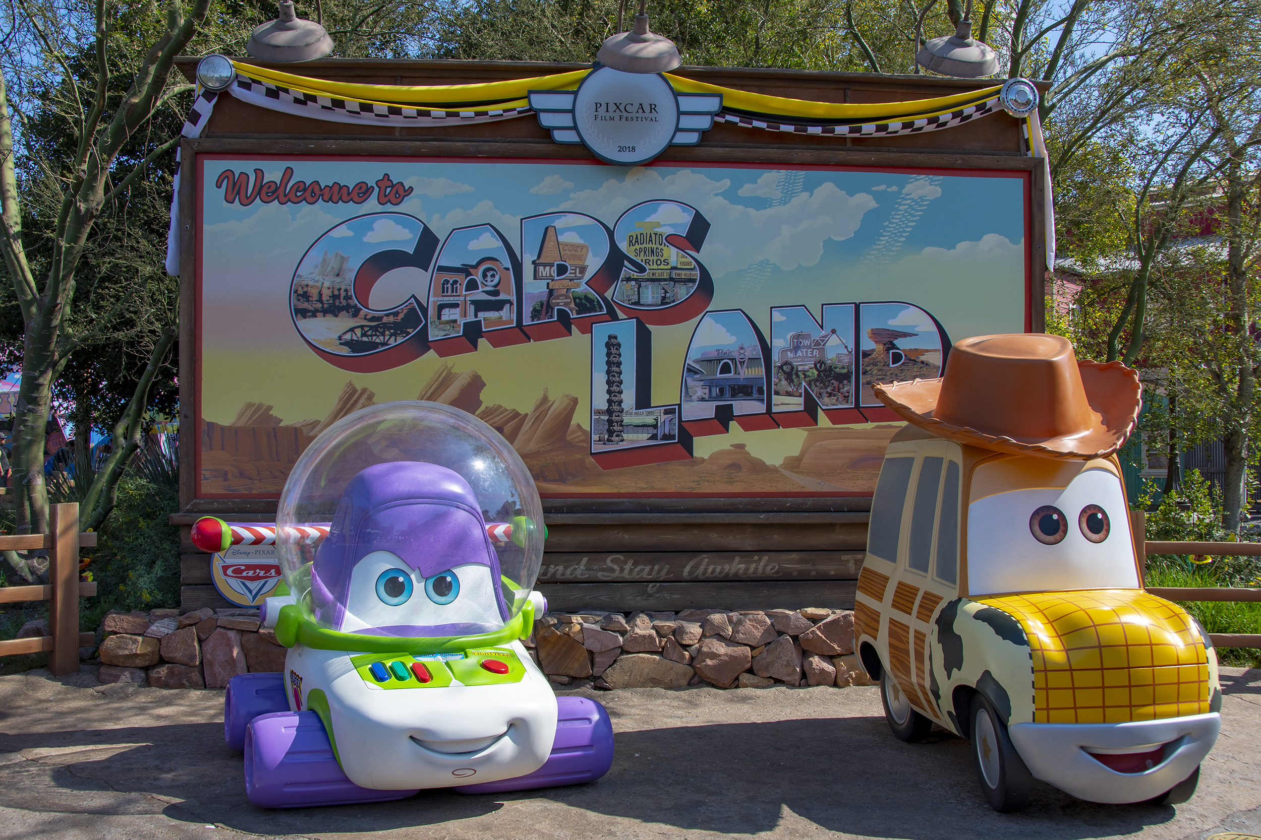 cars land pixar fest disneyland tillbakablick på resorna under 2018