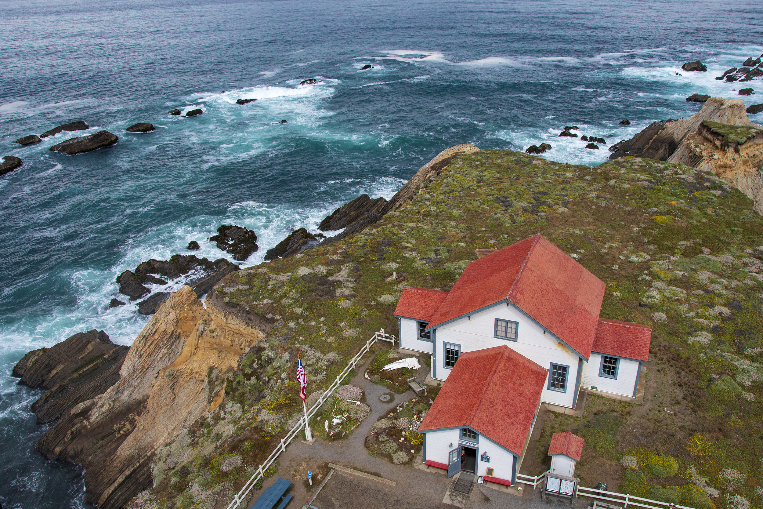 point arena lighthouse museum och hav