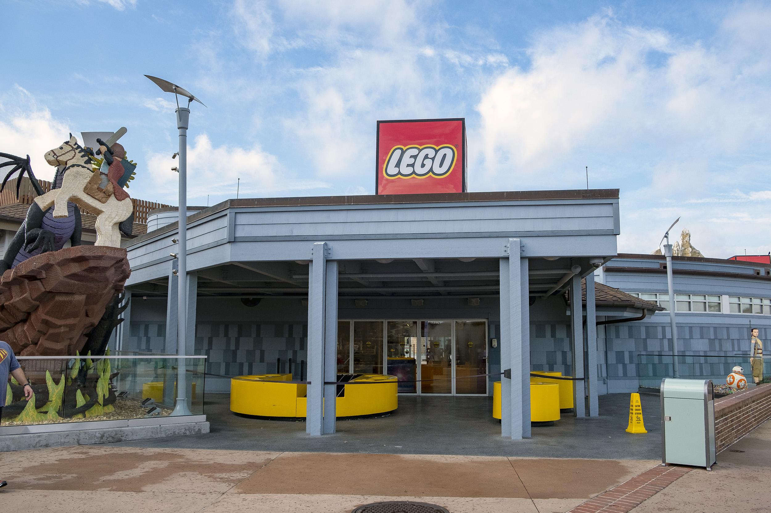 Lego Disney Springs Orlando