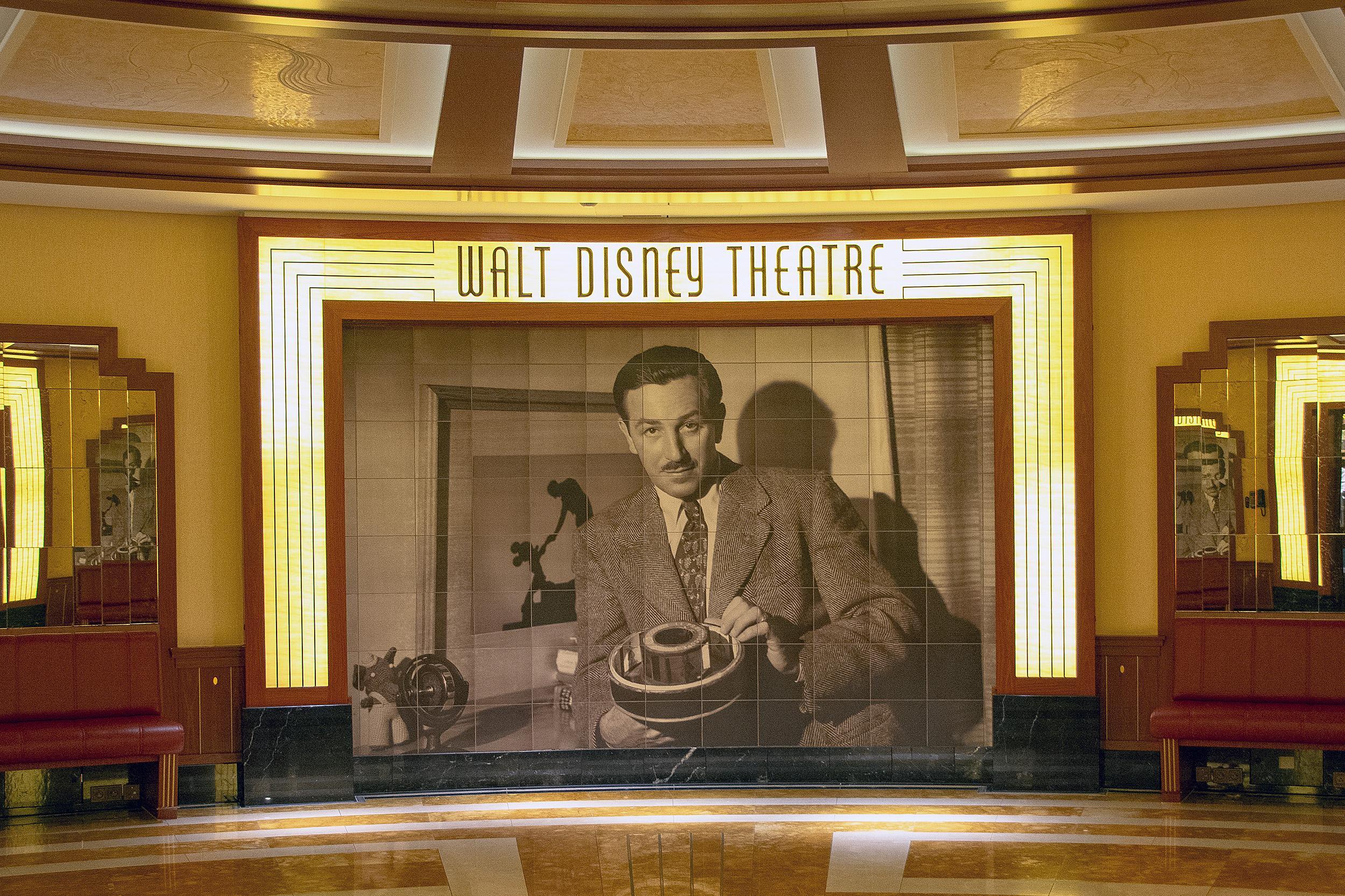 walt disney theatre disney dream disneykryssning