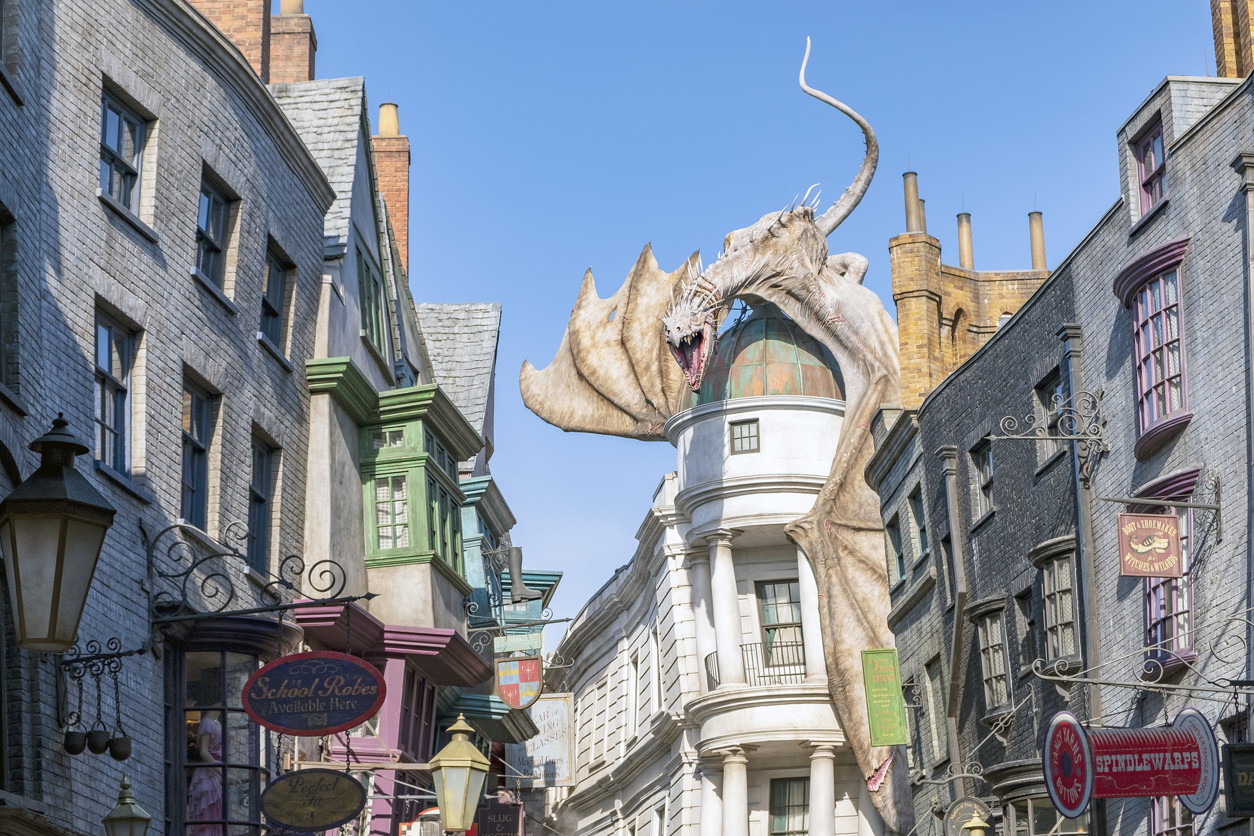 drake gringotts diagon alley the wizarding world of harry potter orlando