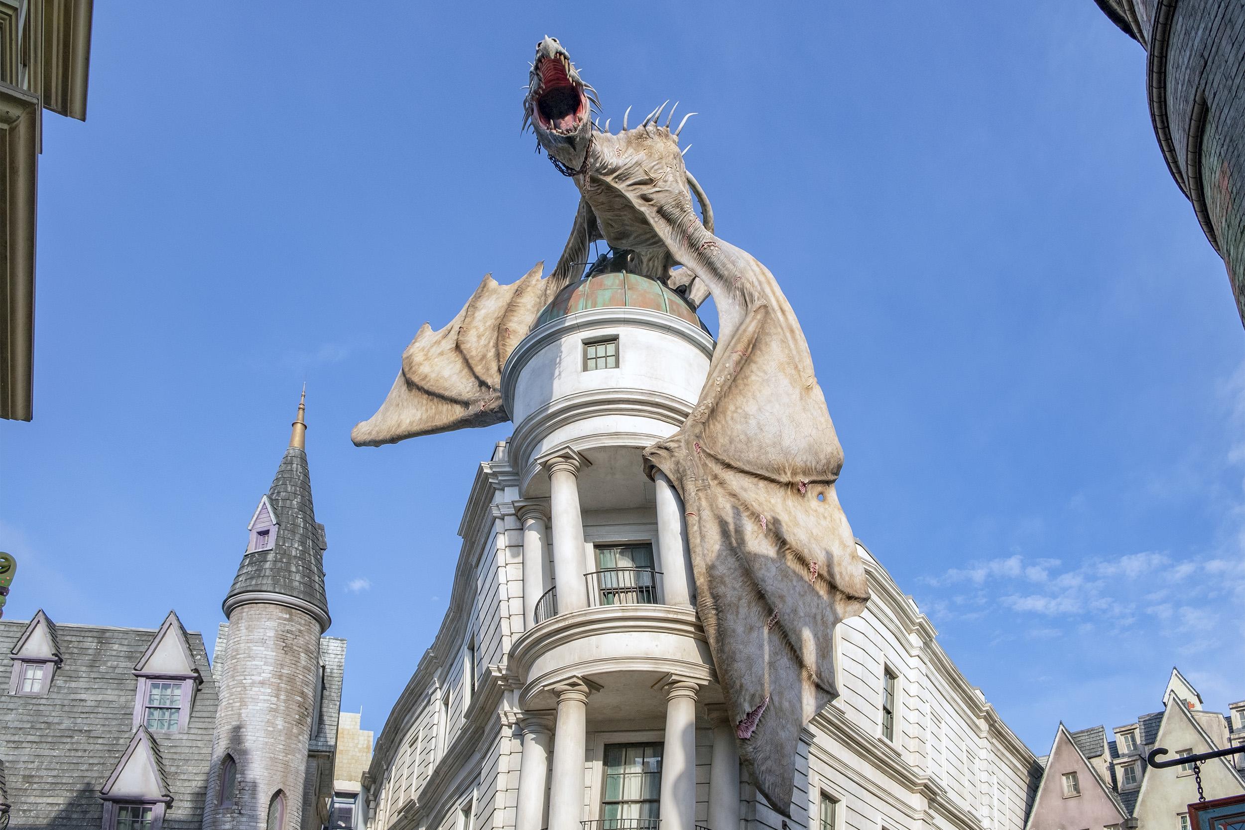 drake gringotts diagon alley the wizarding world of harry potter orlando
