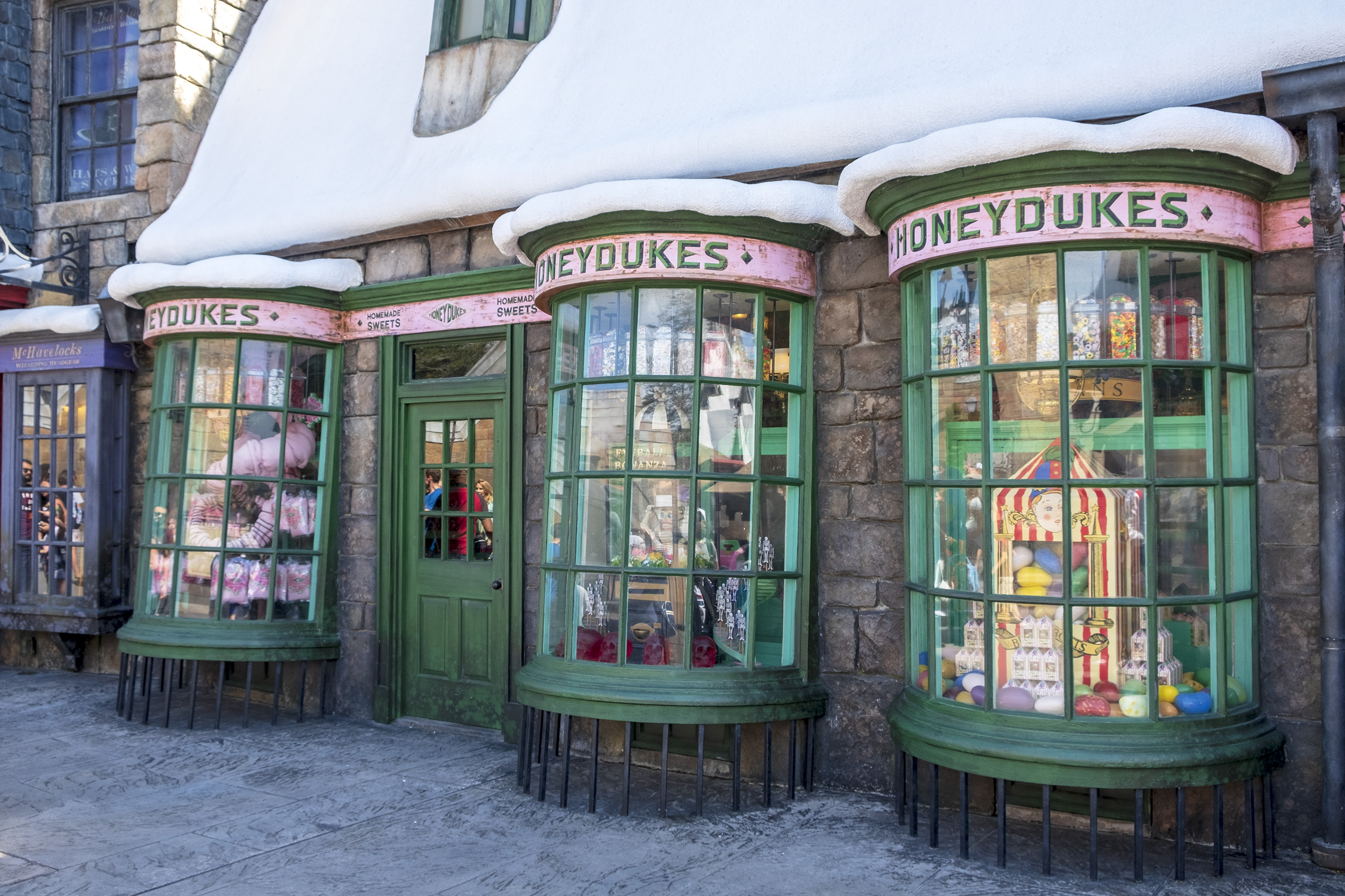 Honeydukes Hogsmeade The Wizarding World of Harry Potter Orlando