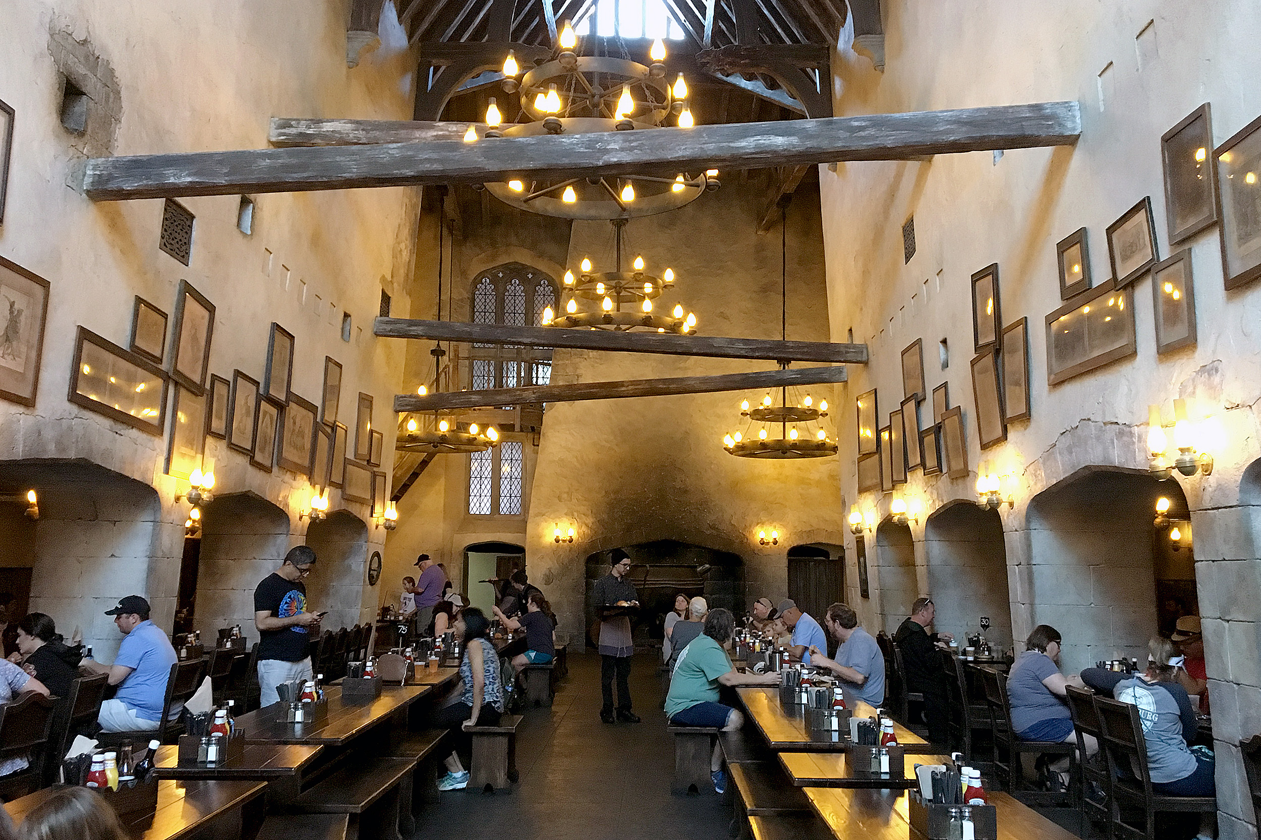 The Leaky Cauldron. The wizarding world of harry potter.