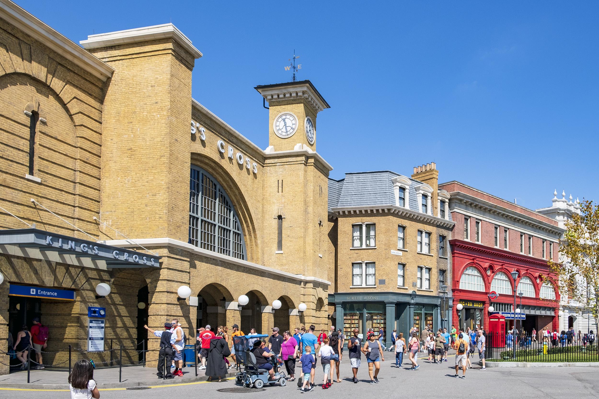Kings Cross Station Hogwarts The Wizarding World of Harry Potter Orlando