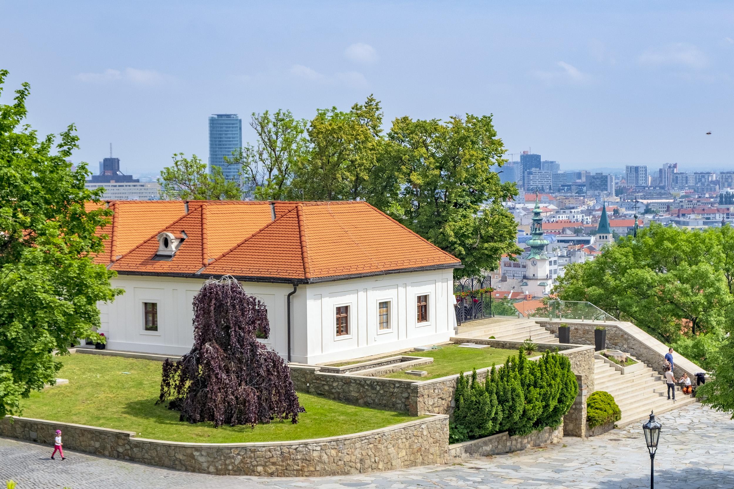 Reštaurácia Hrad Slottet i Bratislava
