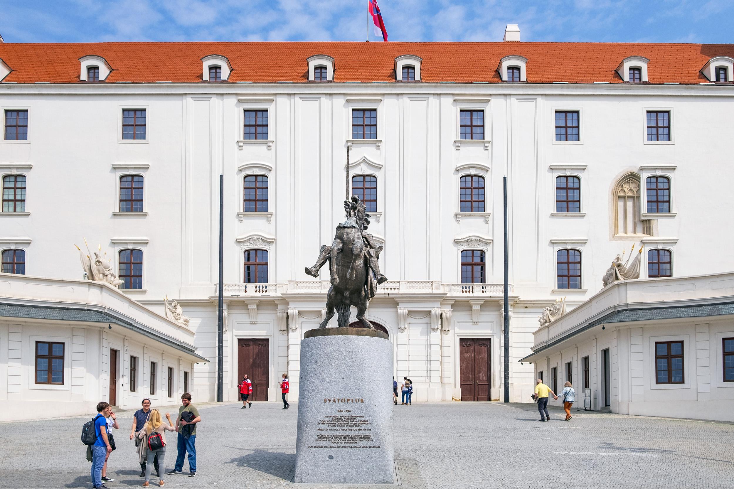 King Svätopluk Slottet i Bratislava