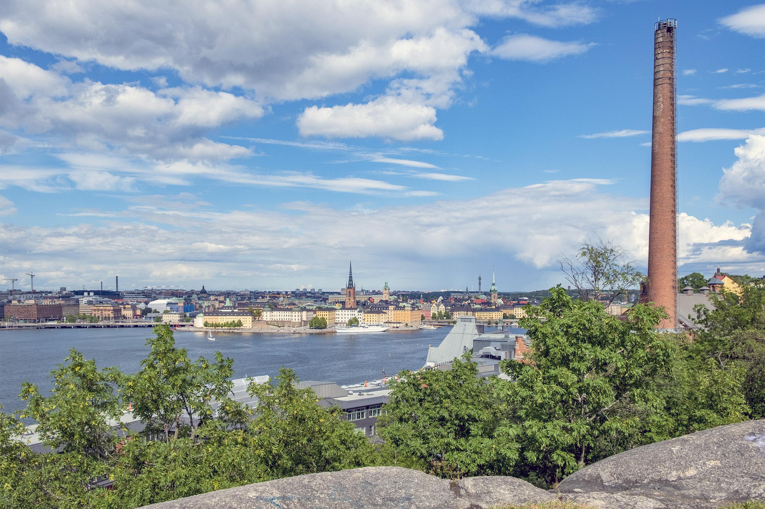 Utsikt över Riddarholmen från Skinnarviksberget på Söder i Stockholm
