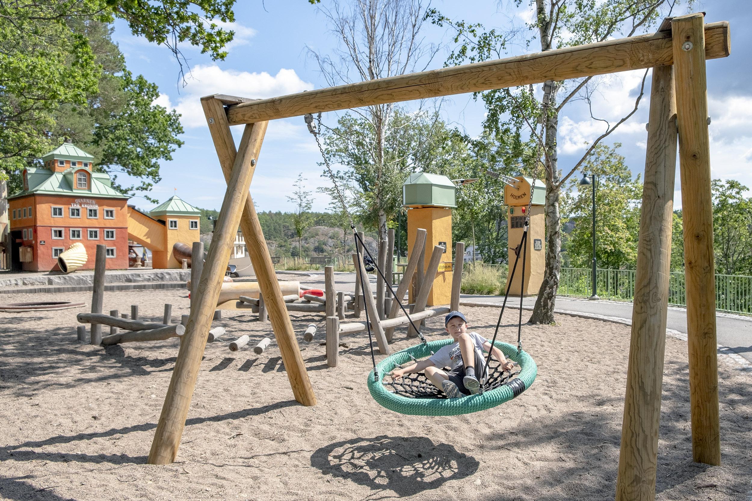 Lilla Kvarnholmen lekplats gunga