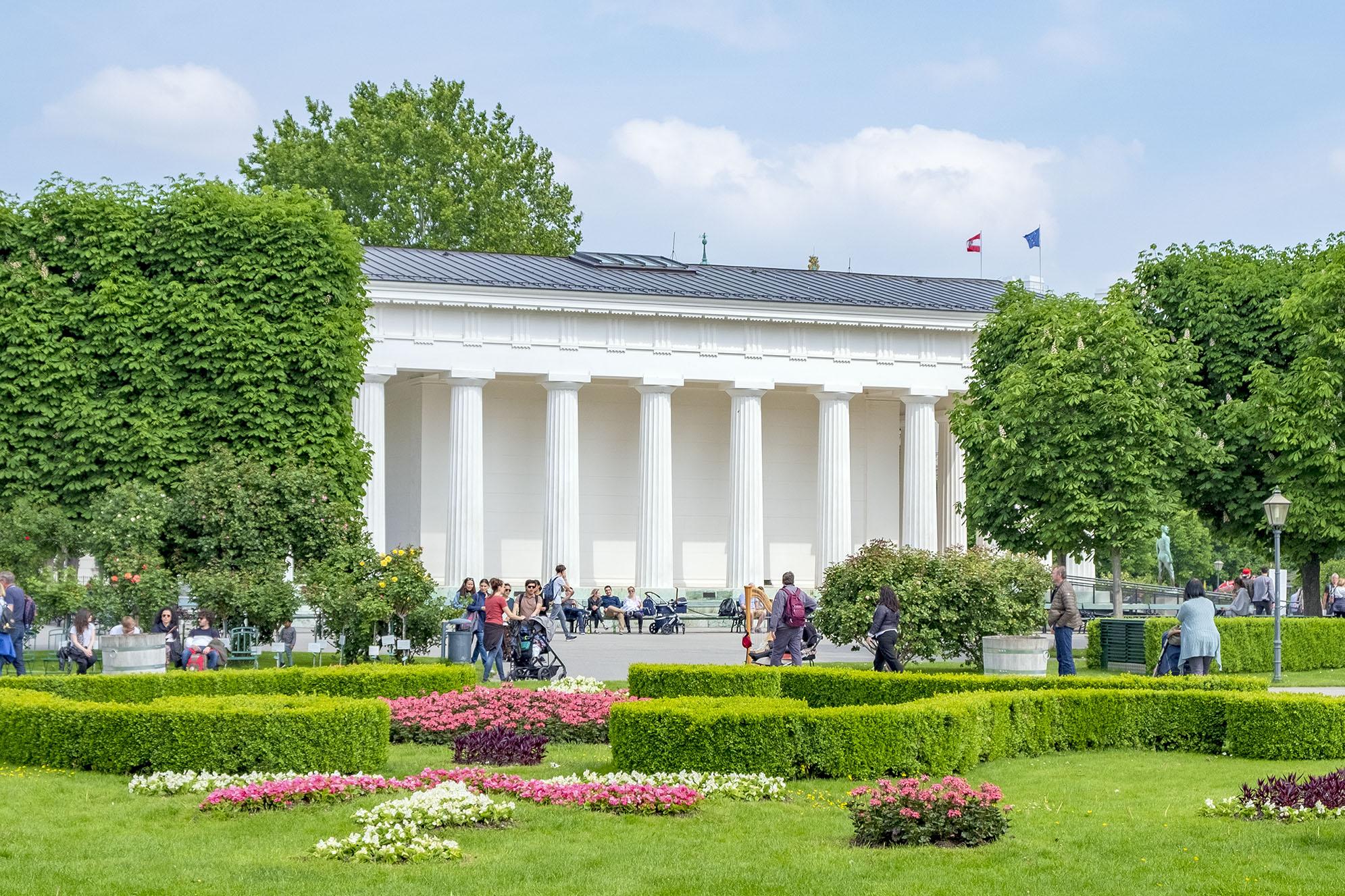Theseus tempel i Volksgarten