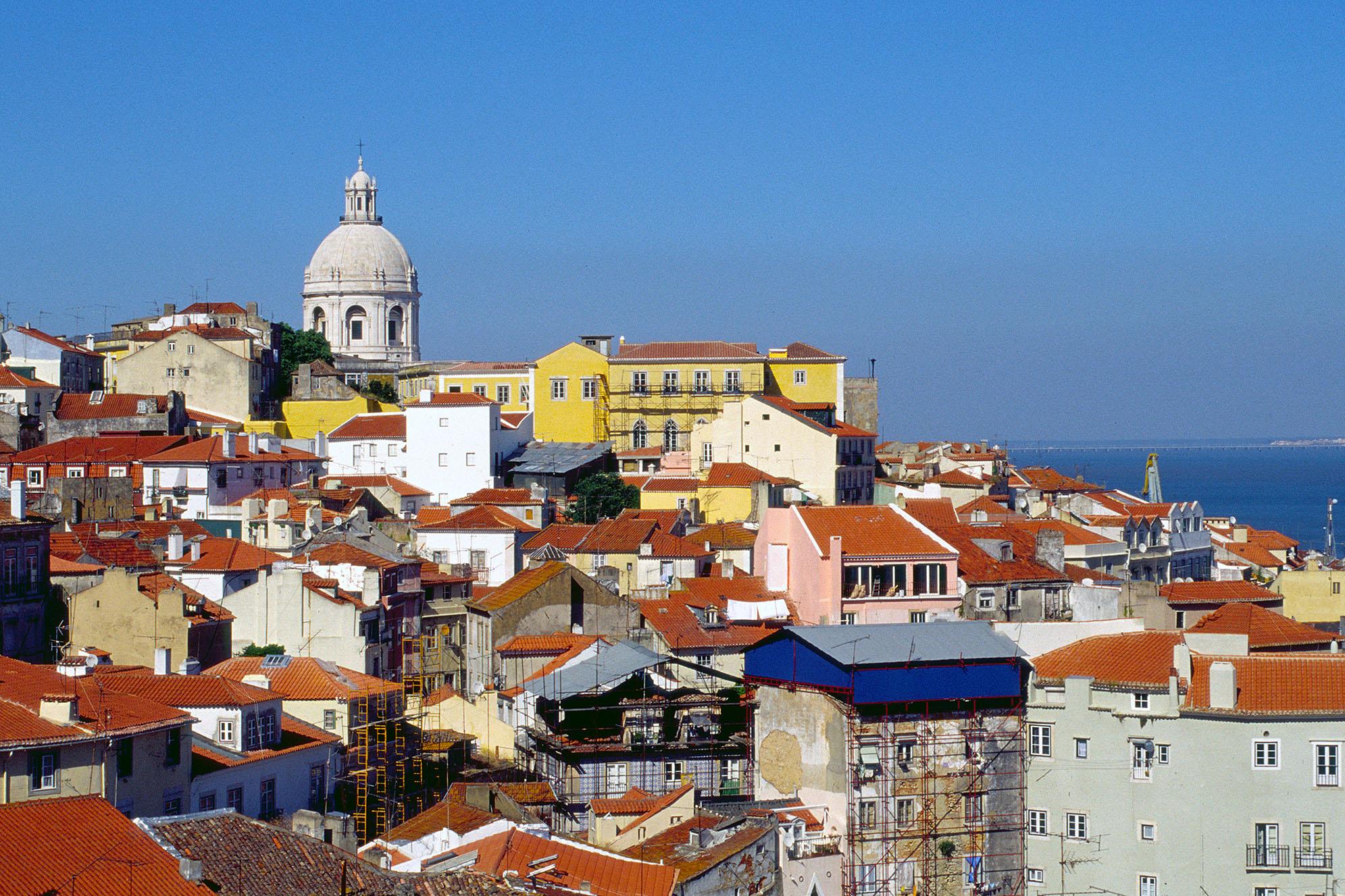 Miradouro de Santa Luzia i Lissabon