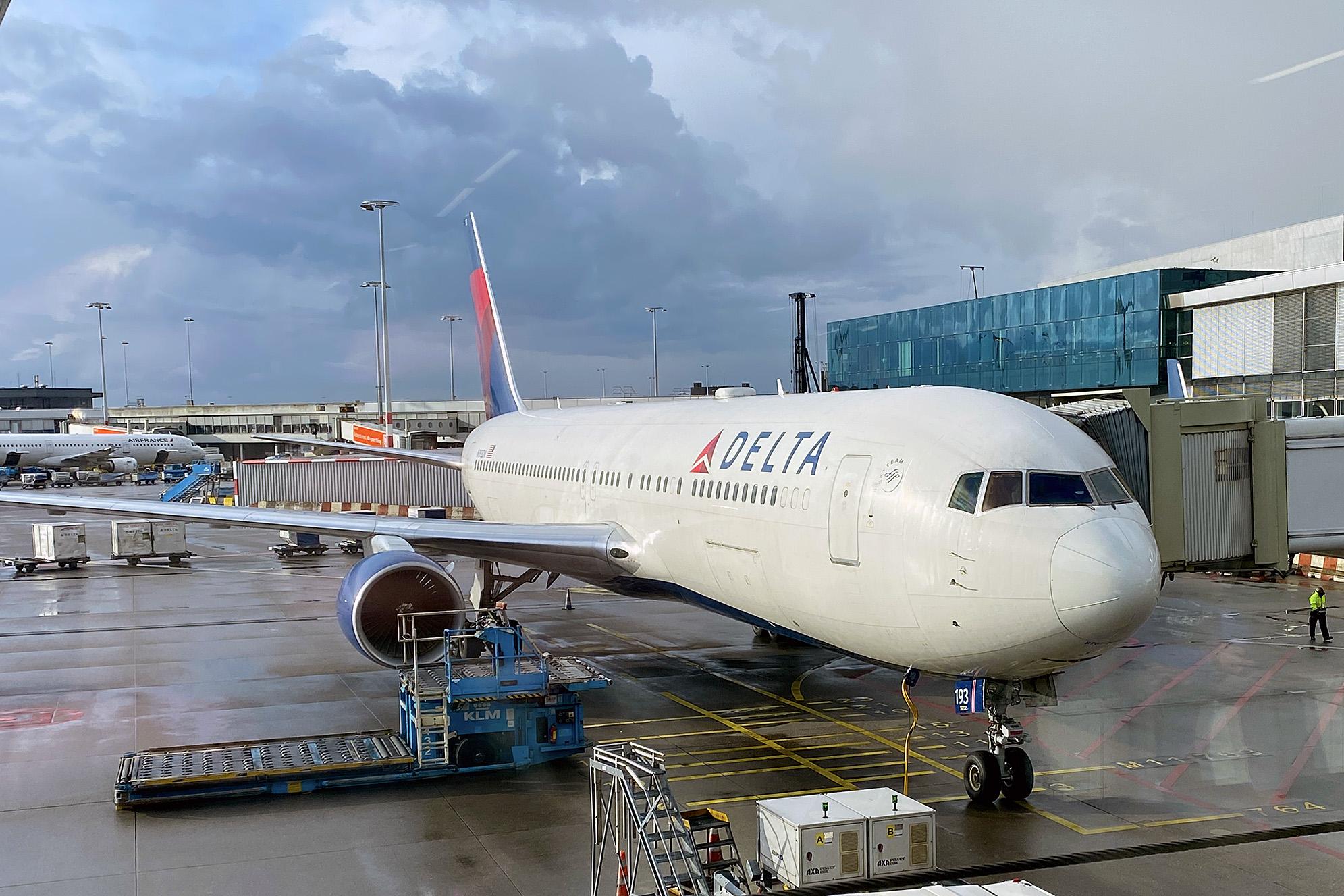 Delta Schiphol Amsterdam.