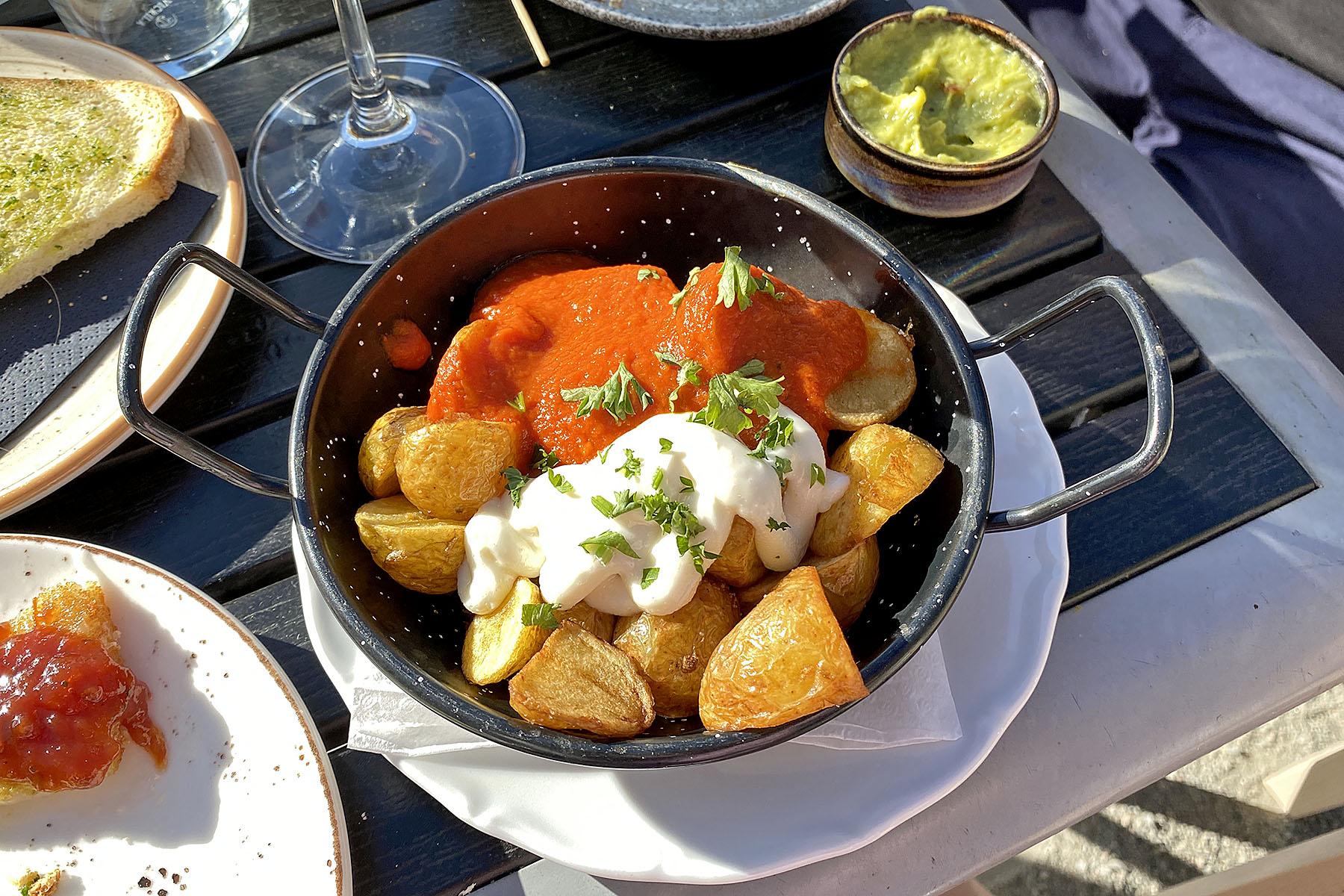 Patatas bravas marina tapas