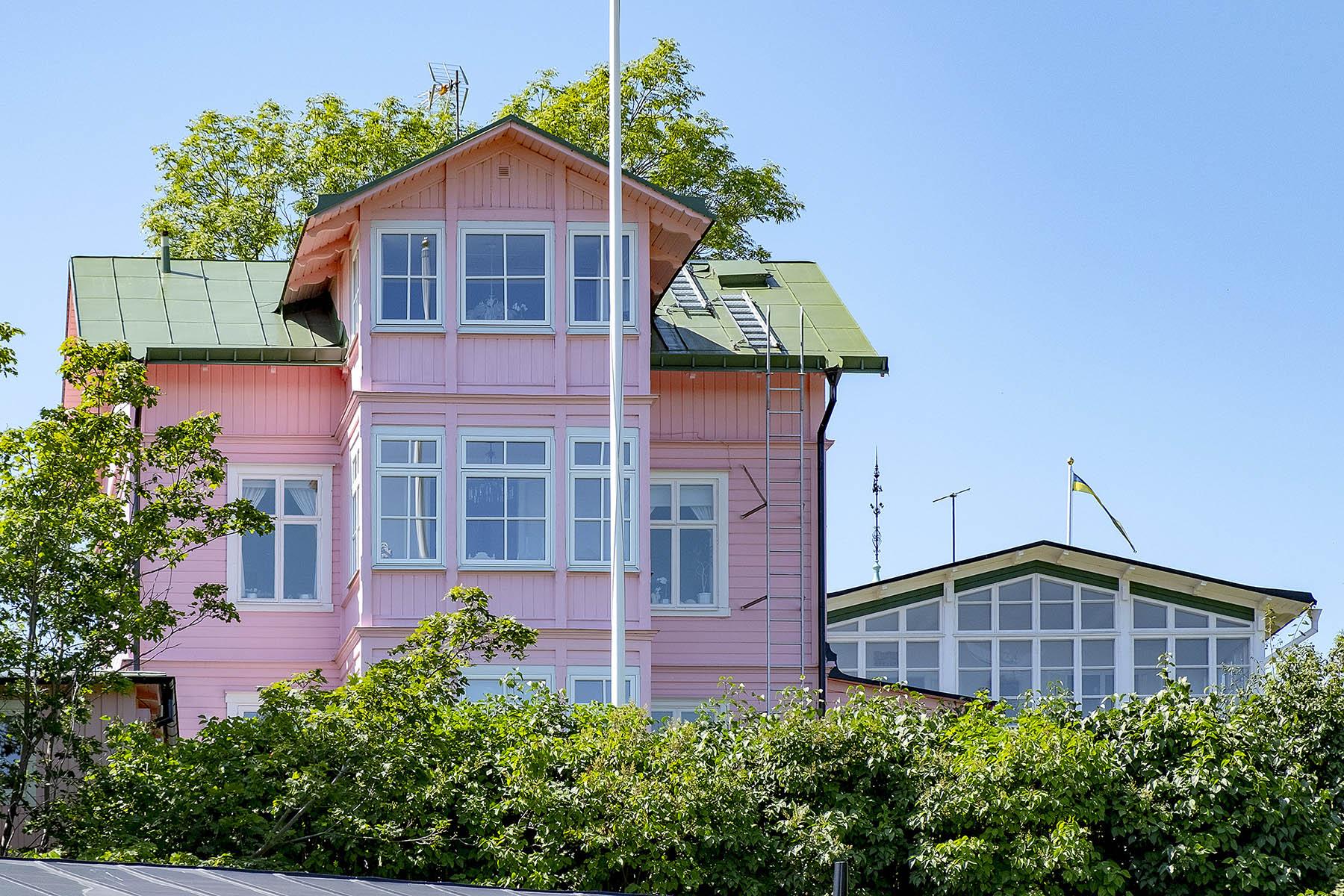 Rosa hus i Vaxholm