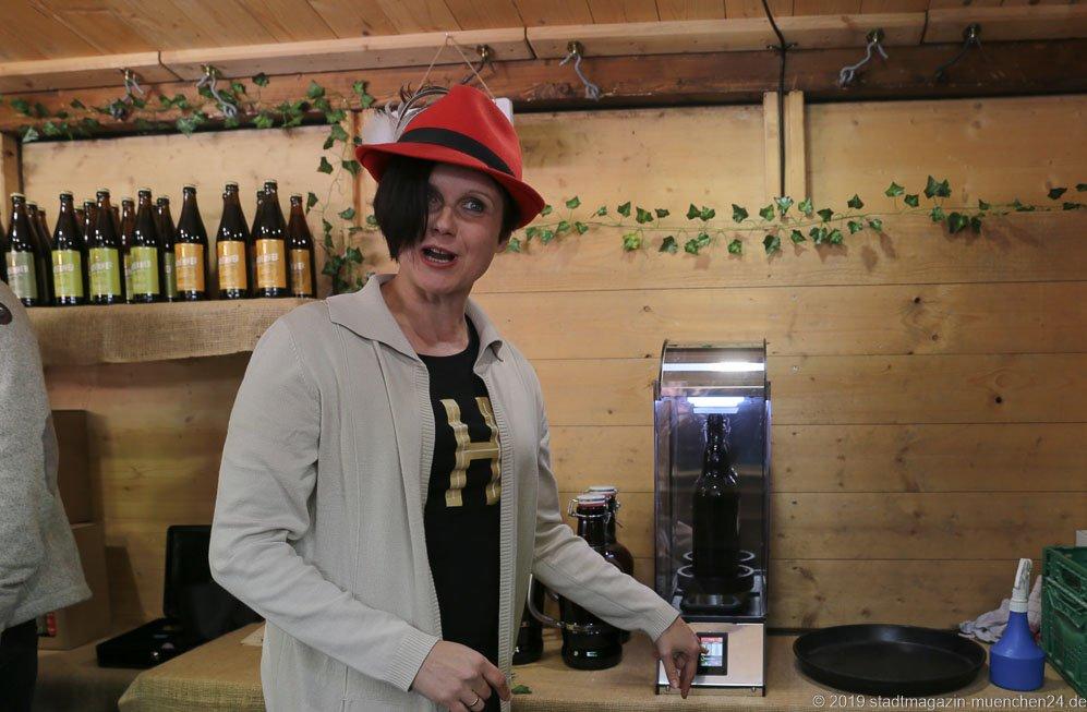 Martha Girg vom Haderner Bräu, Auer Dult am Mariahilfplatz in München 2019