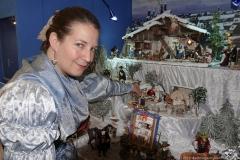 Nadine Kagerer stellt ihre Haidhauser Krippe mit Szenen aus der Münchner Vorstadt vor, Ausstellung Weihnachtszeit in München in der Rathausgalerie am Marienplatz 2019