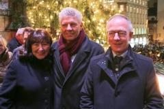 Petra Reiter, Dieter Reiter, Martin Wohlketzetter (von li. nach re.), Christkindlmarkt am Marienplatz in München 2018