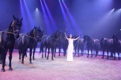 Jana Lacey-Krone, Show der schönen Pferde, Premiere 1. Winterprogramm Circus Krone in München  2019