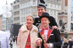 Kinderprinzenpaar Marlon I. und Sophie I., mit Peter Simon, Inthronisation der Narrhalla Prinzenpaare am Marienplatz in München 2020