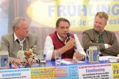Peter Schöniger (Mitte), Presserundgang Frühlingsfest auf der Theresienwiese in München 2019