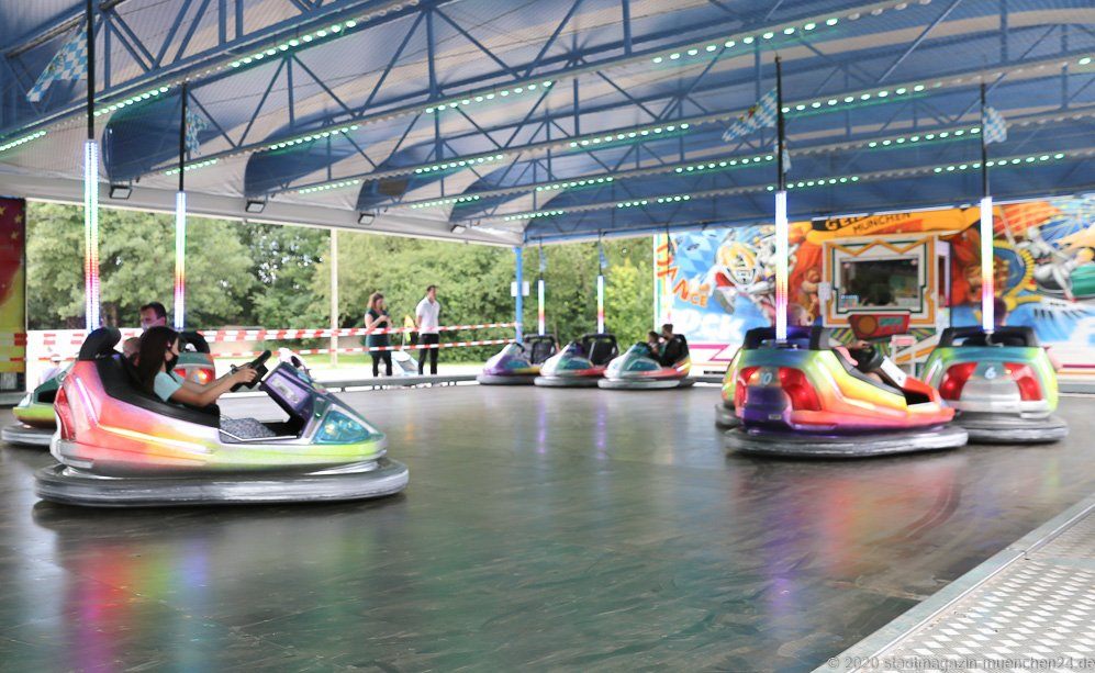 Sommer in der Stadt auf dem Tollwoodgelände im Olympiapark in München 2020