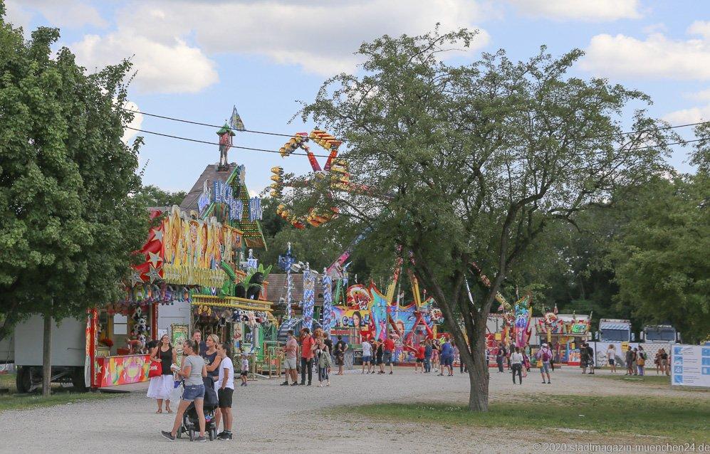 Kindereisenbahn, Sommer in der Stadt auf dem Tollwoodgelände im Olympiapark in München 2020