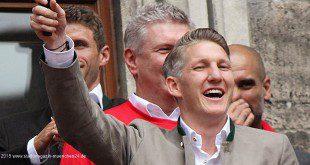 Schweinsteiger FC Bayern Rathausbalkon