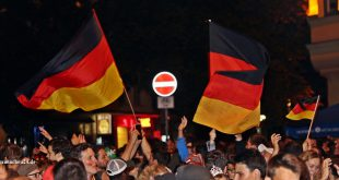 Fanfeier Einzug Halbfinale Deutschland Leopoldstraße München