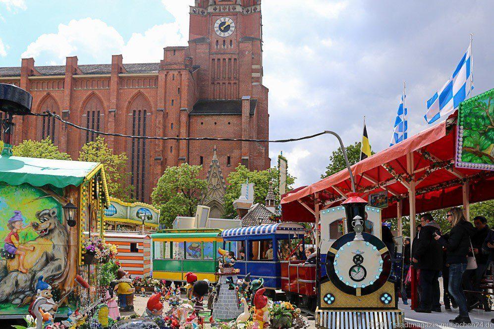 Älteste Kindereisenbahn der Welt auf der Auer Dult München