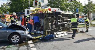 Unfall mit Rettungswagen Großhadern Quelle Foto Berufsfeuerwehr München