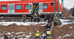 S-Bahn Chaos durch Kältewelle in München. Fahrgäste müssen evakuiert werden. Quelle Foto Feuerwehr München