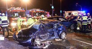 2 Tote bei Verkehrsunfall in München Ludwigsfeld Quelle Foto Berufsfeuerwehr München