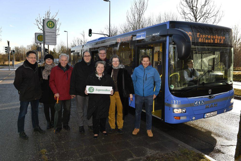 ExpressBus X36 nach Bf. Allach mit Halt an der neuen Haltestelle Spiegelbergstraße Foto: SWM/MVG Marcus Schlaf