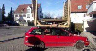 Carport auf Autodach geschnallt