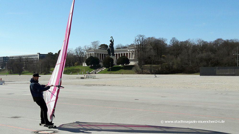Windsurfer auf der Theresienwiese München