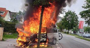 VW-Bus in Flammen Quelle Foto Berufsfeuerwehr München