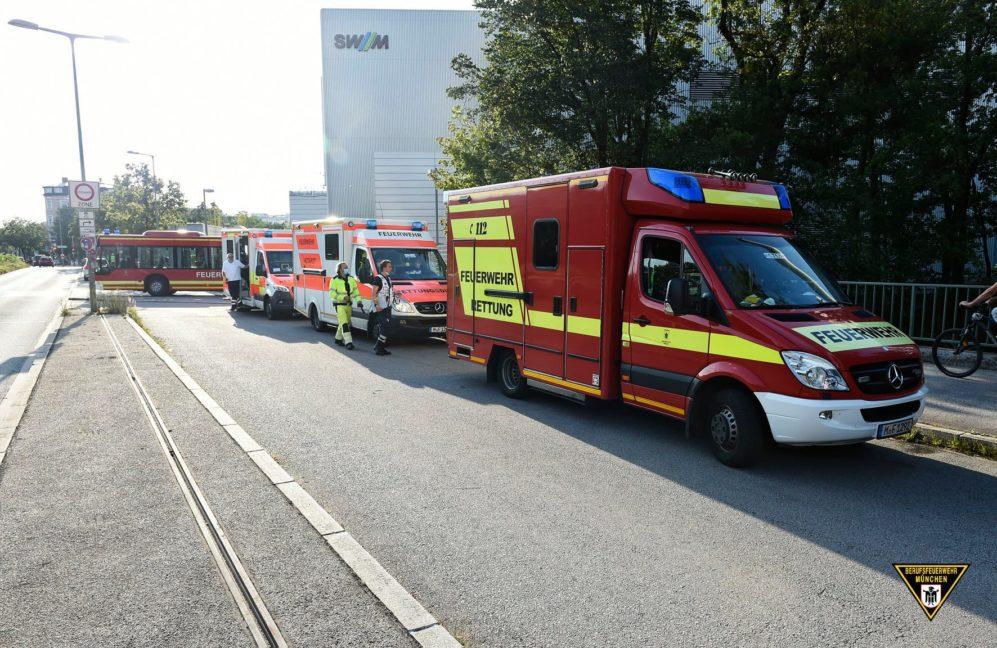 Feuerwehr-Großeinsatz im Heizkraftwerk Süd nach Austritt von Salzsäure