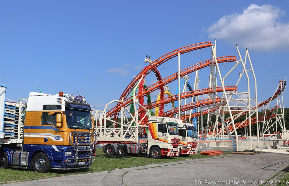 Schausteller Fahrzeuge Aufbau Olympia Looping Achterbahn Oktoberfest