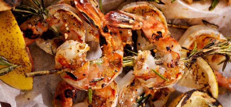 rosemary-shrimp-skewers-picture-id635926560