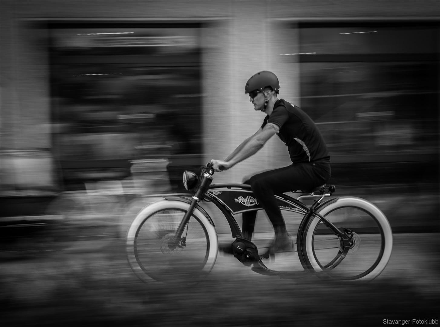 1. plass (delt) tema (gatefoto) Ørjan Dalseth