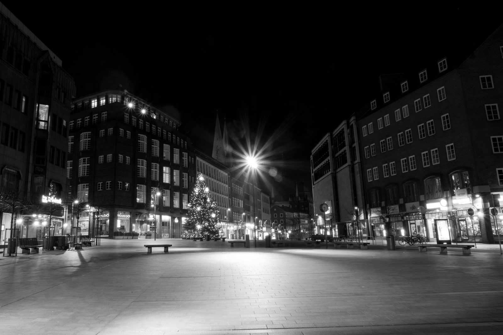 Night photography in Lübeck, Germany - The city square