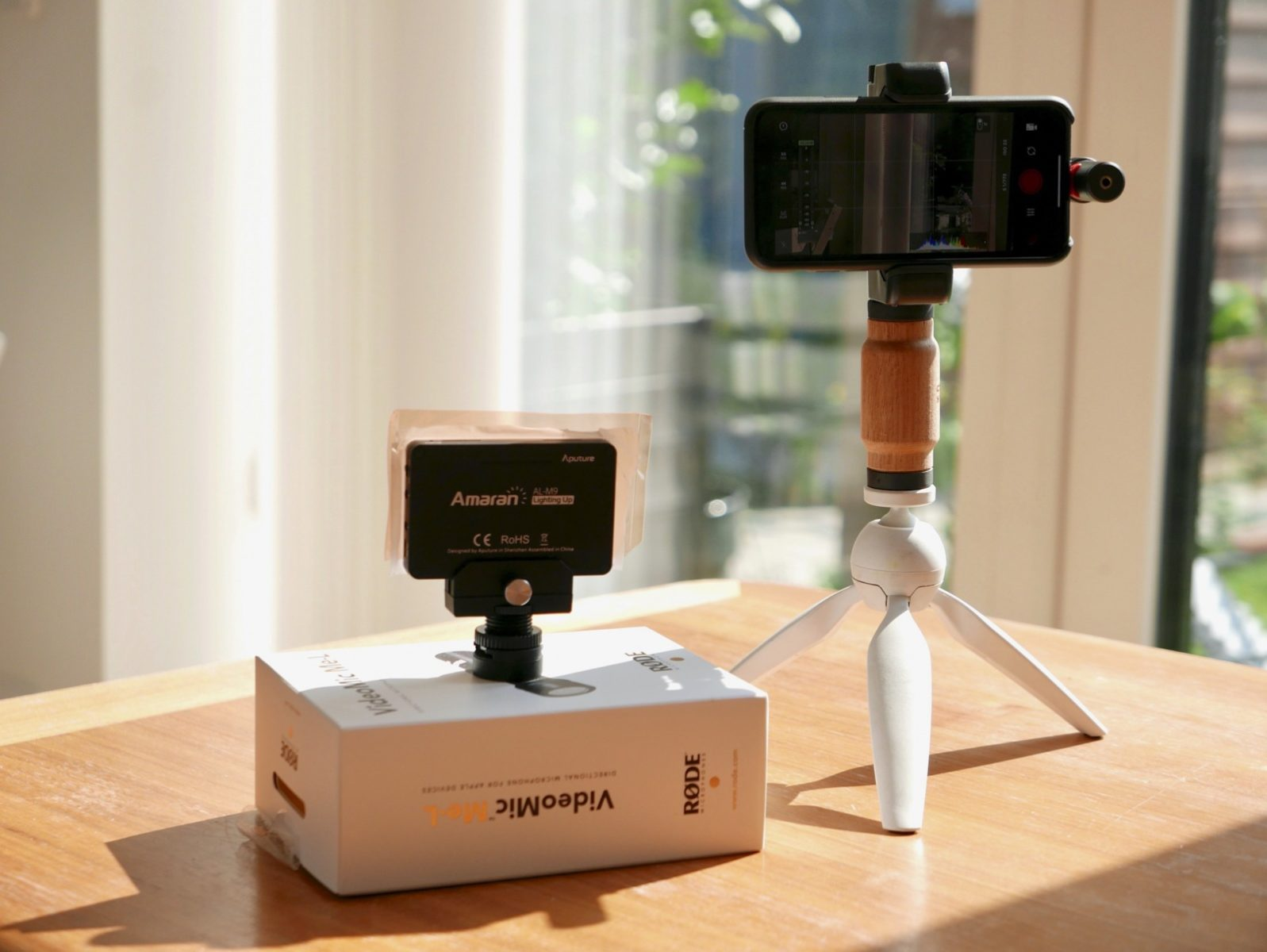 A nice, little smartphone photography/videography rig